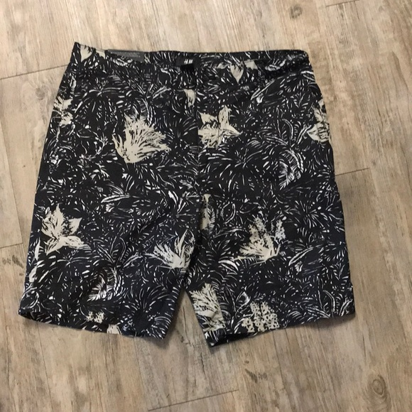 H&M Other - NWT Slim Fit Shorts